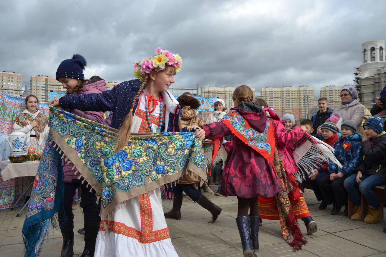 В храме на Люберецких полях воссоздали атмосферу Покровской ярмарки