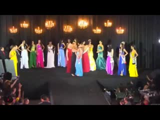 Драка за корону на конкурсе красоты  Мис...oronation (720p).mp4