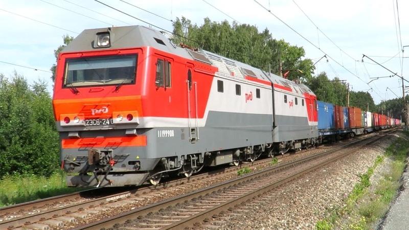 Контейнерный поезд с электровозом Синара 2ЭС6 240