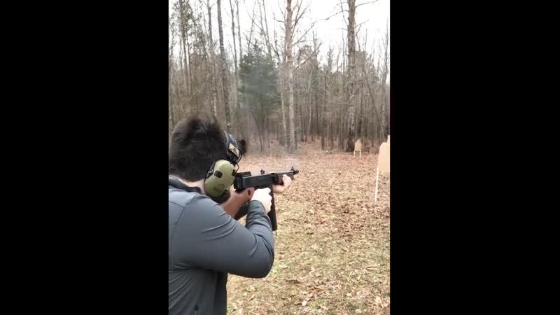 Стрельба из Auto Ordnance T1SB