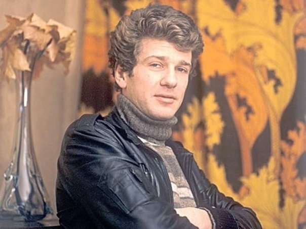 Игорь Костолевский, сегодня его день рождения Нравится вам этот актер .Не забудь поставить , чтобы мы не пропали из Вашей ленты!Спасибо за и