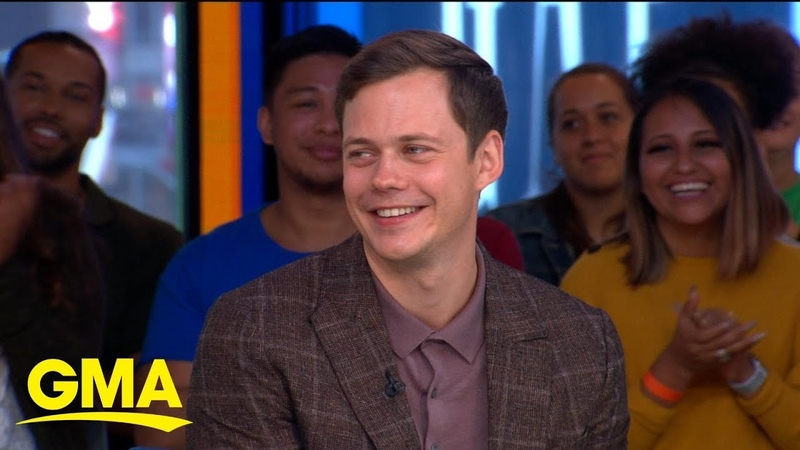 'It Chapter Two' star Bill Skarsgard talks FaceTiming with daughter … as Pennywise! | GMA