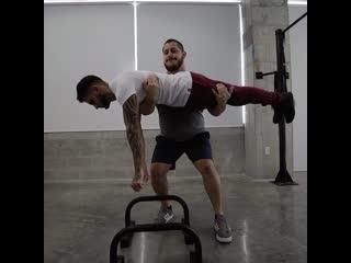 Друг по тренировкам всегда поможет
