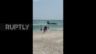 USA: World War II-era plane crash-lands in ocean during Florida airshow