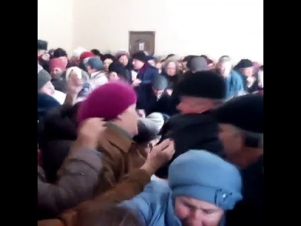 Вибори почались У Кам'янку Радикальна Партія привезла подаруночки
