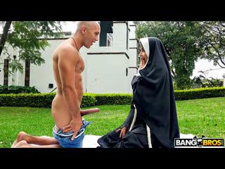 [bangbros] yudi pineda dirty nun fucks the gardener newporn2019