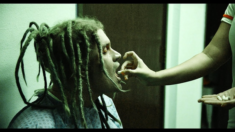 """Davey Suicide - """"Medicate Me"""" feat. Telle Smith [OFFICIAL VIDEO]"""