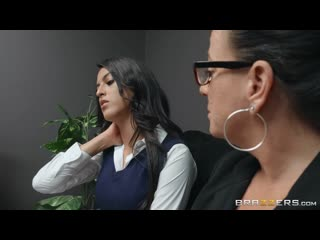 Her daughters too tight - http://www.vidz72.com