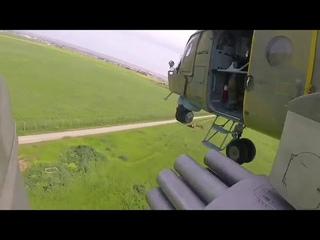 Многоцелевые вертолёты Ми 8АМТШ и Ми 35 ВКС России проводят воздушное патрулирование на севере Сирии