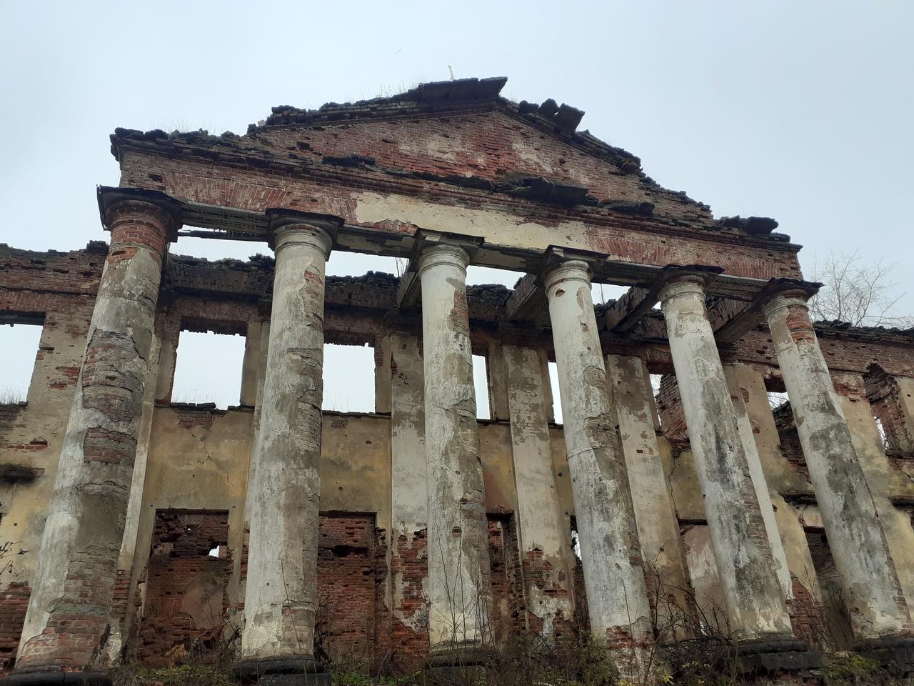 Усадьба Куммолово - место с богатой историей. Валун в Ломахе. Крепость Копорье