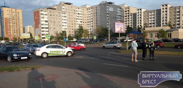 """Что за """"замес"""" был сегодня на ул. Октябрьской революции напротив первой высотки?"""