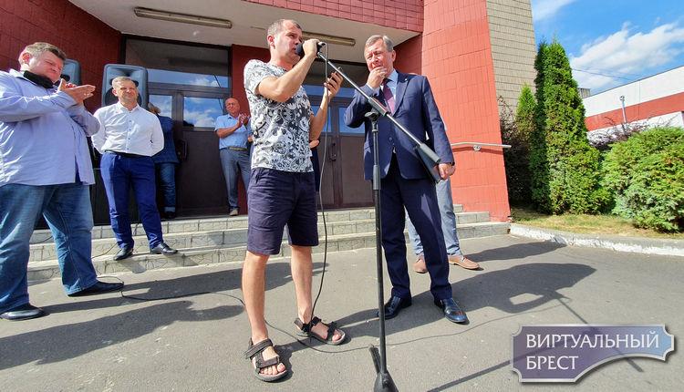 Мэр Бреста Александр Рогачук пришёл на жёсткий разговор к работникам Газоаппарата