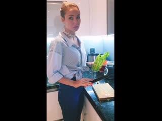 Ляйсан Утяшева поделилась рецептом коктейля для похудения