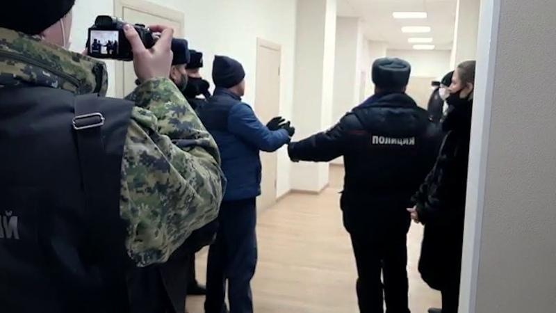Кровавая драма в новомосковском ТЦ ревнивец показал как убивал бывшую жену