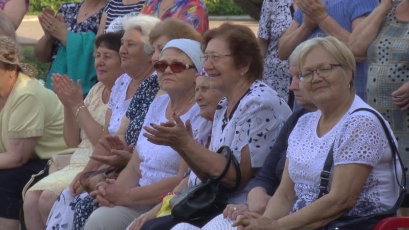 Теплые вечера объединили заинских пенсионеров