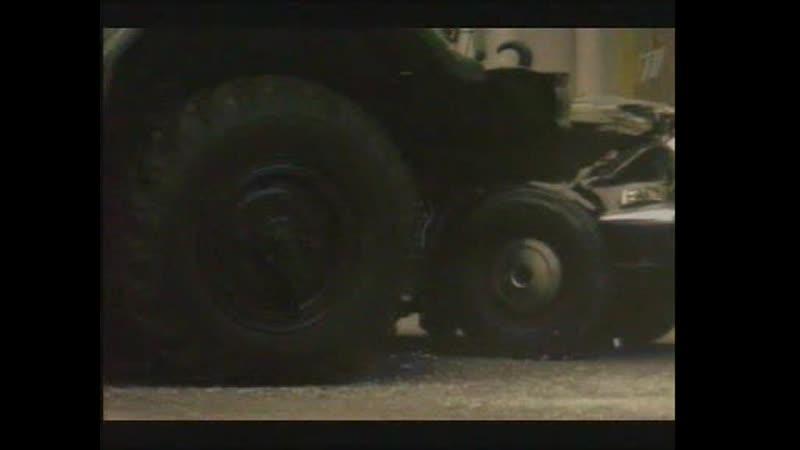 Обратная сторона Луны (2012) 11 серия - short car chase scene