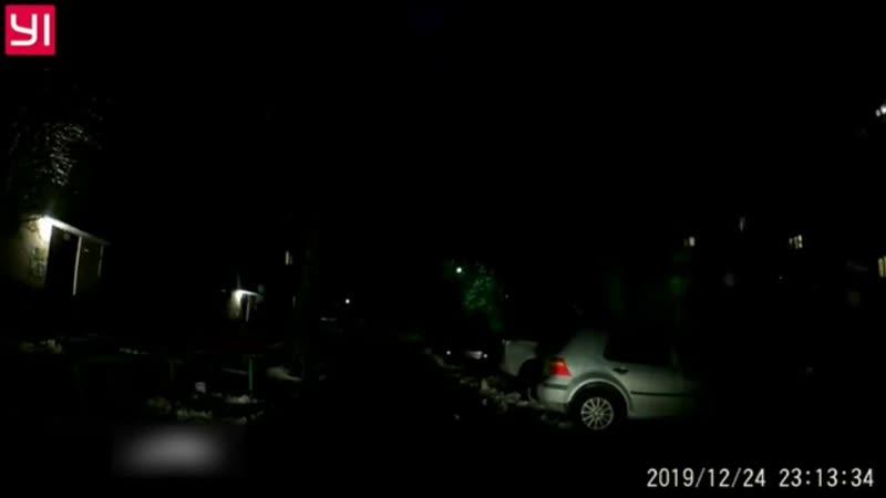 В Чебоксарах один водитель избил другого лопатой из за места на парковке