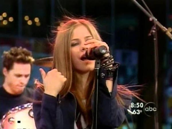 Avril Lavigne - Complicated - Live @ good morning america [08-29-02]