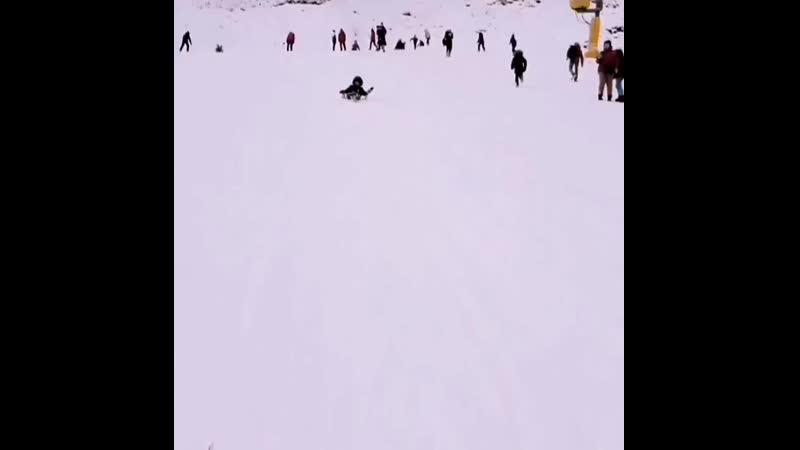 К сожалеееению снег толькоооо раааааз в году Ба па ба па ду 😅 ломакадневник ломаказима2020 ломакавидео краснаяполяна з