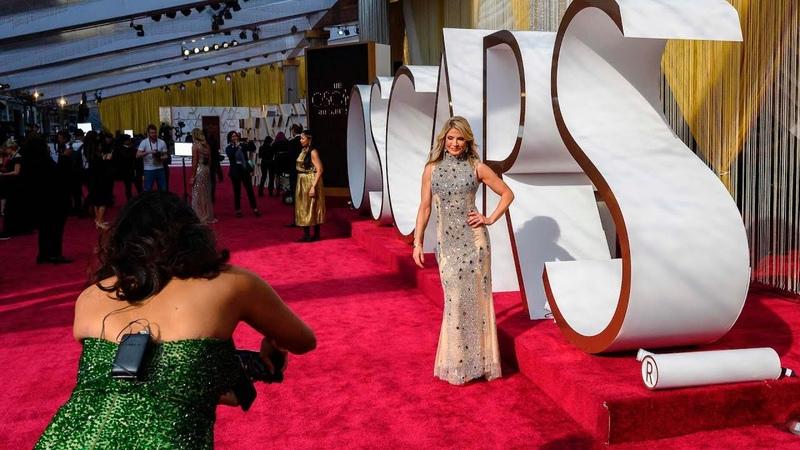 Oscars red carpet preparations underway