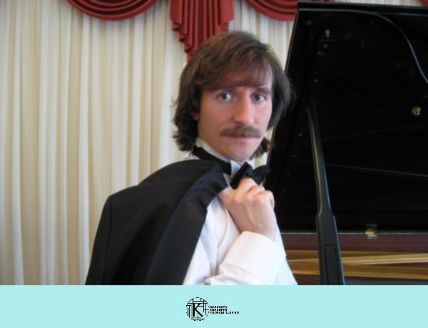 Евгений Михайлов (фортепиано)