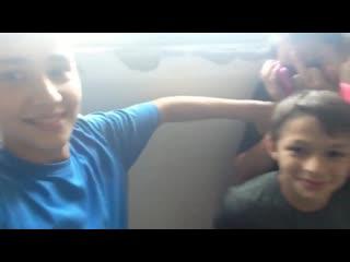 малолетка юная юные школьница школьницы одна дома показала после школы подсмотрено молоденькая слив перископ скайп видеочат teen