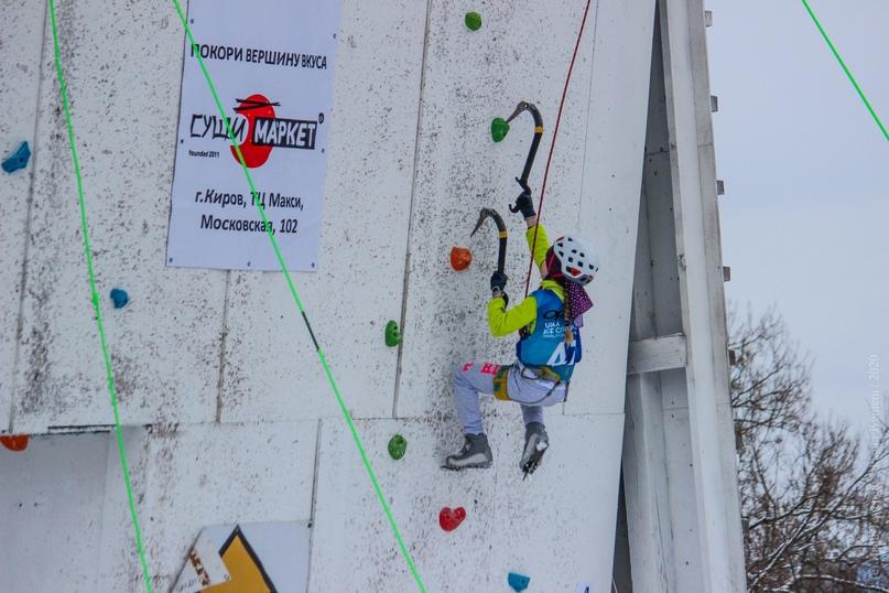 Главные отечественные ледолазные старты сезона финишировали в городе Кирове в минувшие выходные – чемпионат и первенство России по альпинизму. Всем было что доказывать и что терять…, изображение №17