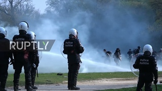 Belgium: Water cannon used at anti-COVID restrix gathering in Brussels park