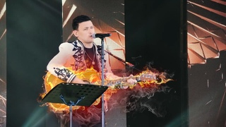 Хиты на гитаре. Анвар Нургалиев спел вместе с поклонниками.