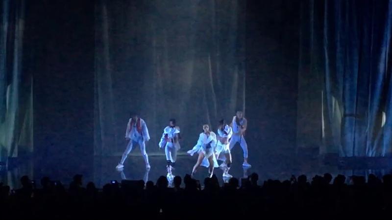 Video Girl FKA Twigs Live in Berlin