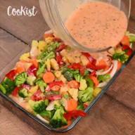 id_54719 Яркая овощная запеканка — то, что нужно для хорошего настроения осенью 😋🍴  Автор: cookist  #gif@bon