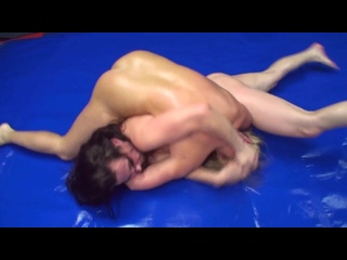DWW 824 Ingrid vs Antonia
