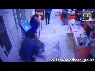 В Нижегородской области мужик с игрушечных пистолетом попытался грабануть магазин
