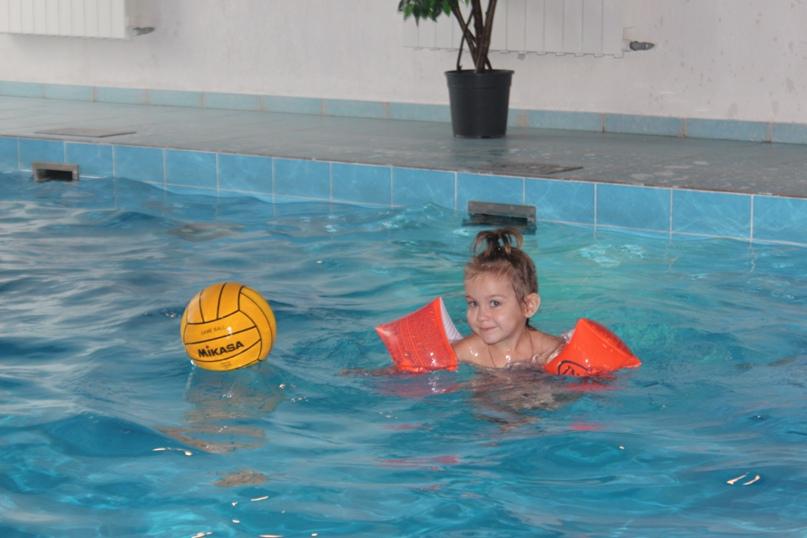 Почему полезно плавать в бассейне?, изображение №5