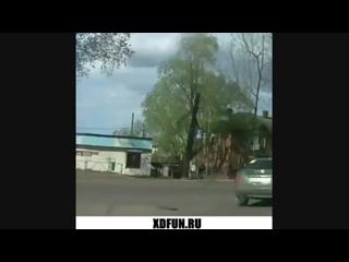 ЖЕсть машина загорелась в дороге. Возгарание авто в движении