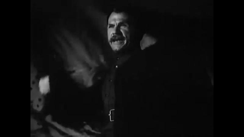 Все советские дети знали что должен быть другой вариант концовки фильма где Чапаев таки выплывает И он таки есть