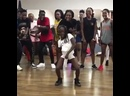 Wow! This lil girl got moves! 🔥🔥🔥