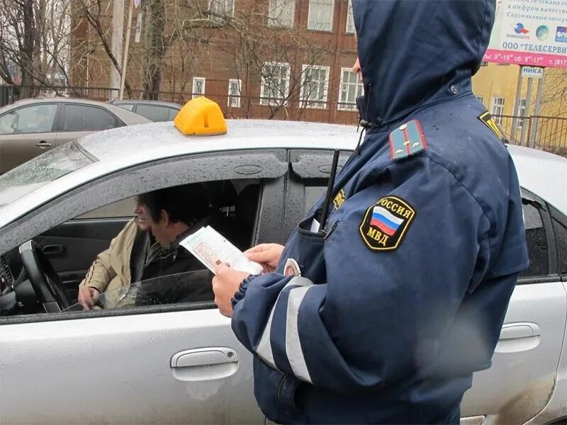 Проводится работа по выявлению неформальной занятости в службе такси