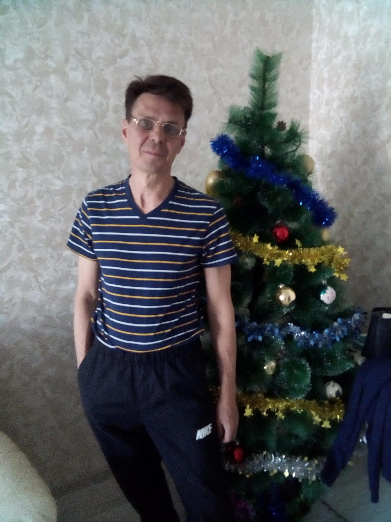Роман, 45, Kirishi