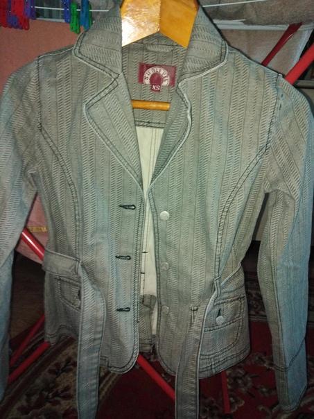 Продаю абсолютно новую куртку, размер s - Надо мер...