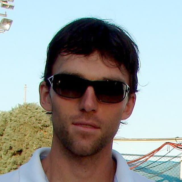 Александр Кнутов