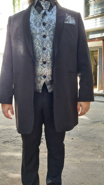 Потерян кофр с онцертным костюмом на остановке бер...