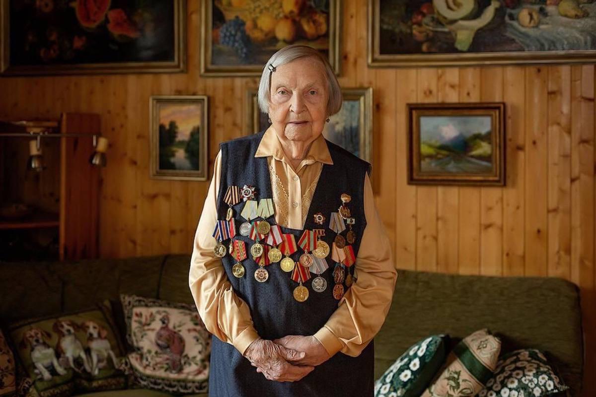 За год до столетнего юбилея скончалась ветеран Зинаида Корнева.