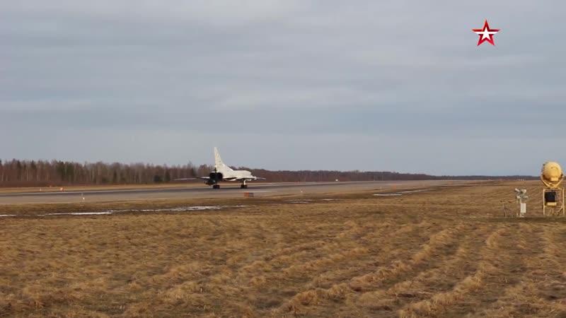 Видео полета бомбардировщиков Ту 22М3 над Черным морем