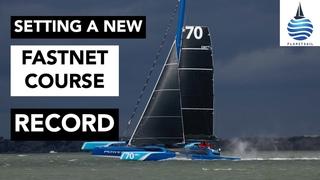 Экипаж британского скоростного тримарана PowerPlay MOD 70 со шкиперами Питером Канниг установил мировой рекорд