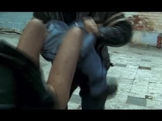 Изнасилование двух подруг в фильме (студенток пустили по кругу, девок дерут в жопу, ебут по очереди)