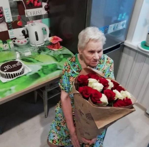 Житель Екатеринбурга безвозмездно сделал ремонт 90-летней труженице тыла Мужчина уже более 10 раз преобразил жильё