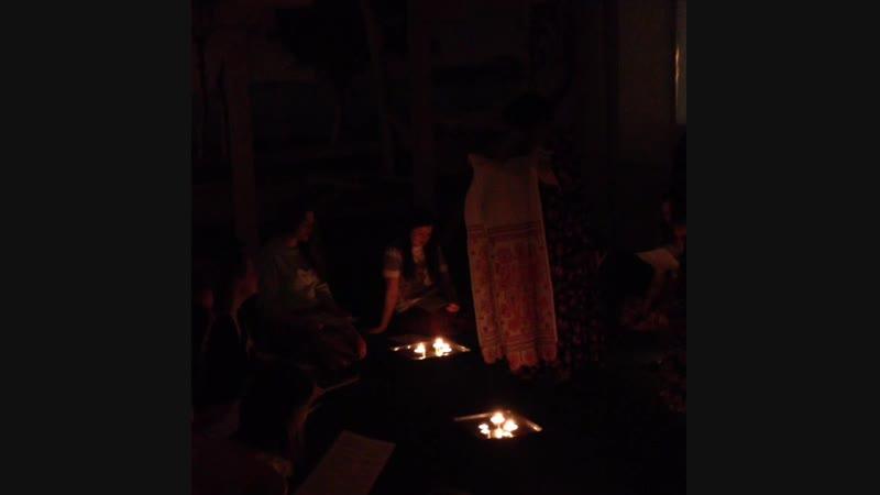 Гадания при свечах и с песнями | Галерея сельдерея