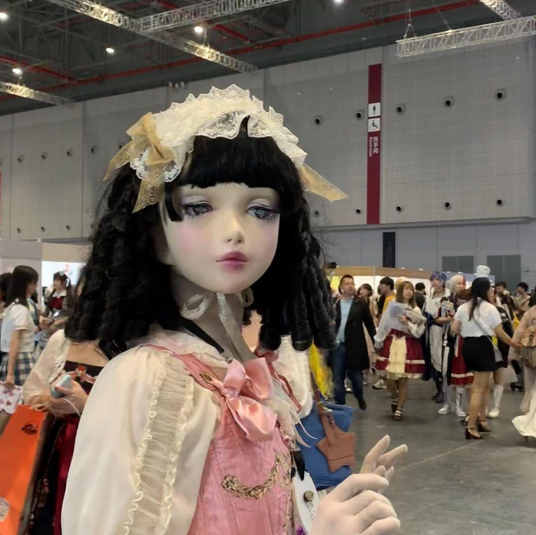 Лулу Хашимото — японка, превратившая себя в куклу